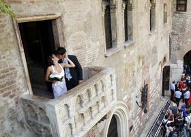 Свадьба на балконе Джульетты в Вероне