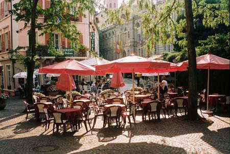 кафе на улице в Баден-Бадене