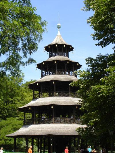Китайсая пагода в Английском парке Мюнхена