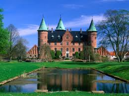 замок Троллехольм